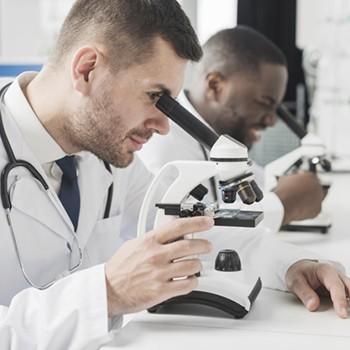 Certificación en Técnicas y Métodos de Laboratorio Clínico y Titulación Universitaria en Calidad y Medio Ambiente en el Laboratorio